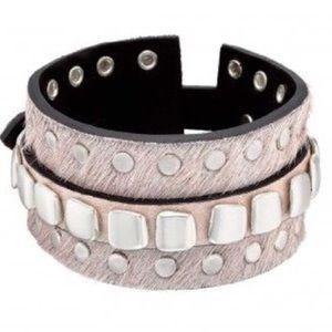 Uno de 50 Taint-ed Cuff Bracelet